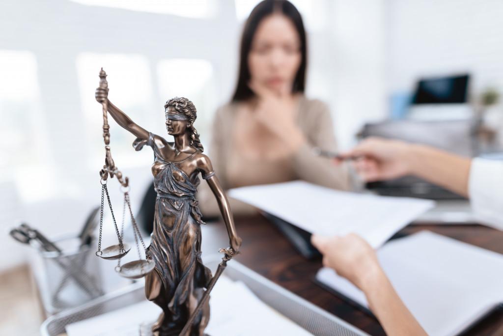 divorce lawyer concept